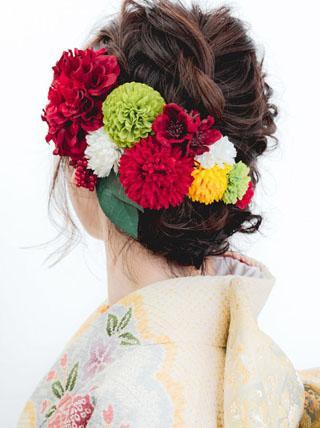 赤色のお花をたくさん散りばめたい
